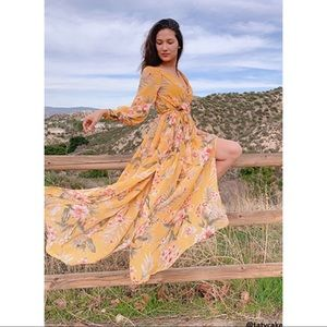 Yellow Floral Maxi Dress Size Large NWT